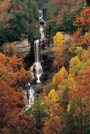 Autumn-at-Raven-Cliff-Falls-in-Caesars-Head-State-Park-310x460