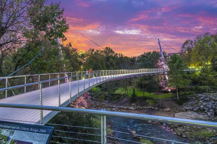 Sunset-at-Falls-Park-on-the-Reedy-and-the-Liberty-Bridge-690x460